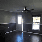 2 bedroom, 1 bath home available - Jacksonville, FL 32210
