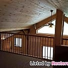 Newly renovated BARN  studio loft apartment - Stanwood, WA 98292