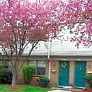 The Woods Townhouse 2 BR 1 and a half bath!! - Jeffersonville, IN 47130