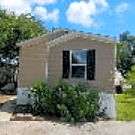3 bedroom, 2 bath home available - Kirby, TX 78219