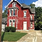 Large 2 bedroom Unit in Walnut Hills 3 Family! - Cincinnati, OH 45206