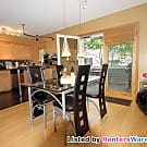 Spacious 2+ bed 2 bath Townhome in NE MPLS - Minneapolis, MN 55413