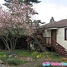 2 bedroom house - Pets considered - Seattle, WA 98178