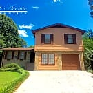 1982 Village Ct - Snellville, GA 30078