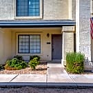 GREAT 2 Bed / 2.5 Bath condo in Glendale! - Glendale, AZ 85301