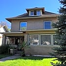 Gorgeous 3 Bedroom Home near Uptown - Minneapolis, MN 55405