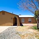 Nice 4 bed/ 2 bath home in Phoenix near the 51! - Phoenix, AZ 85032