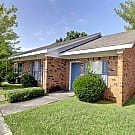 Hensley Square Apartments - Florence, Alabama 35630
