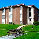 Highland Park Apartments - Kettering, OH 45429
