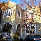 8 King Charles Place - Annapolis, MD 21401