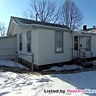 Large yard! 2Bd 1den 1BA cute Pet friendly house - Saint Paul, MN 55119