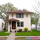 Gorgeous 3 bedroom with updated kitchen and Bath - Saint Paul, MN 55104
