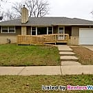 Wonderful 3 BR, 1 Bath SFH near Lake Phalen - Saint Paul, MN 55106