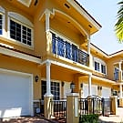 Royal Oaks Townhomes - Hollywood, FL 33021
