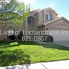 3Br, 2Ba, 2 story, Fireplace in living room, loft - Albuquerque, NM 87112