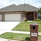 Beautiful 4 Bedroom Home in Yukon - Yukon, OK 73099
