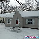 Cozy 2 Bed 1 Bath Home - Des Moines, IA 50310