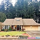 Well Maintained Home on Private Lot - University Place, WA 98467