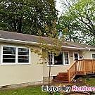 Remodeled 4 bed St Paul! Fenced Yard! Available... - Saint Paul, MN 55119