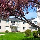 Kelly Square Apartments - Roseville, Michigan 48066