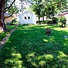 Great 2 Bedroom in North Mpls! Hardwood! Fenced... - Minneapolis, MN 55412