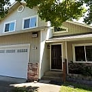 Lovely,  2 story home with abundant amenities - Healdsburg, CA 95448