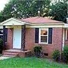 Come view this adorable 3 bedroom 1 bath duplex - Charlotte, NC 28205