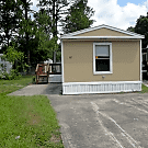 3 bedroom, 2 bath home available - Jacksonville, FL 32210