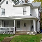 Walk to UK Campus - 7 Bedroom House - Lexington, KY 40508