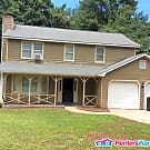 3 bedroom  w/ 2 car garage in Stone Mountain! - Stone Mountain, GA 30088