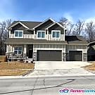 Stunning 4 Bed, 2.5 Bath West Des Moines Home - West Des Moines, IA 50266