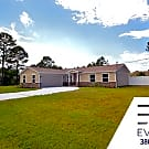 BETTER THAN NEW, 3+DEN/2.5/2 FENCED KEY WEST STYLE - Palm Coast, FL 32137