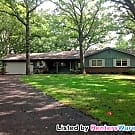 LARGE HOME ON 1.5 Acres and Gourmet Kitchen - Apple Valley, MN 55124