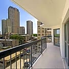 2555 North Clark - Chicago, IL 60614