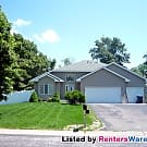 WELL KEPT 3 BEDROOM IN COON RAPIDS ON CUL-DE-SAC - Coon Rapids, MN 55448