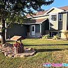 Gorgeous 4bd/2ba with Fenced in Yard! - Saint Michael, MN 55376