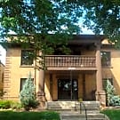Spacious Garden level with convenient location - Minneapolis, MN 55403