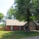 SPACIOUS HOME IN UNION SCHOOLS! - Tulsa, OK 74133