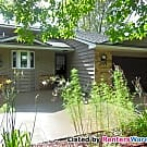 $1495-3Bd/2Ba Home in a Great Crystal Location - Crystal, MN 55429