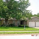 Very well kept, 3 bedroom 2 full bath w/ study! - Euless, TX 76039