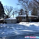 Very Nice 1BD/1BA Lower Duplex In Roseville!!! - Roseville, MN 55113