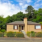 Lovely 3 bed 1 bath South Seattle/ Lakeridge Home - Seattle, WA 98178