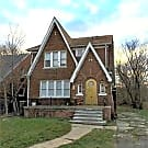 Nice Lower Flat - Detroit, MI 48213