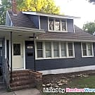 Spacious 2 Bed, Character and Convenience! - Saint Paul, MN 55104