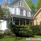 Updated 2 BDRM East Side Lower - Milwaukee, WI 53202