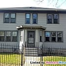 3 bedroom updated clean duplex available now! - Saint Paul, MN 55106