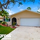 2261 SE 28th St - Cape Coral, FL 33904
