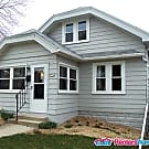Comfortable West Allis 3 Bdrm SFH - West Allis, WI 53214