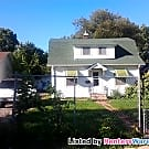 3 bedroom house plus den 10/1 - Saint Paul, MN 55117