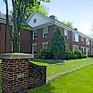 Colonial Court Apartments - Shorewood, WI 53211